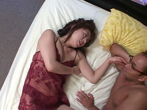 ハメ頃を迎えた人妻ワレメ肉膨張野中奈緒美 無修正画像01