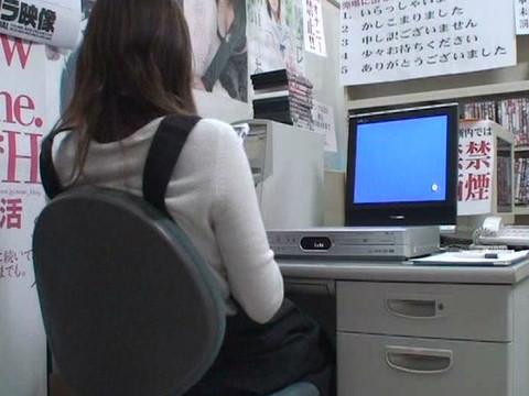 とあるレンタルビデオ店での監視カメラが見た事実 Vol.1 無修正画像02