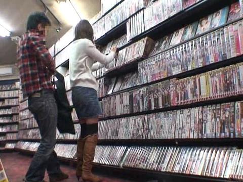 とあるレンタルビデオ店での監視カメラが見た事実 Vol.3 無修正画像02