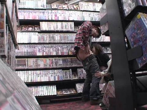 とあるレンタルビデオ店での監視カメラが見た事実 Vol.3 無修正画像03