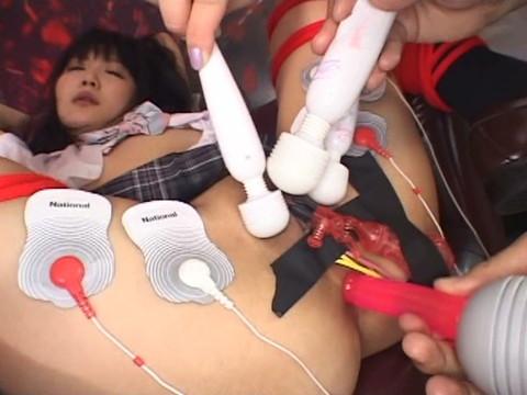 5人の可愛い女子○生がピンクマンコ披露して玩具で激責められたりオナニーしたり part.5 無修正画像06